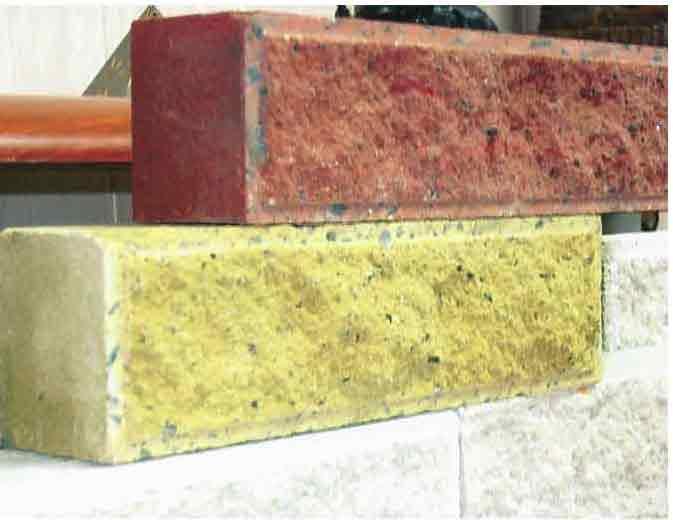 керамический полнотелый кирпич красного и желтого цвета